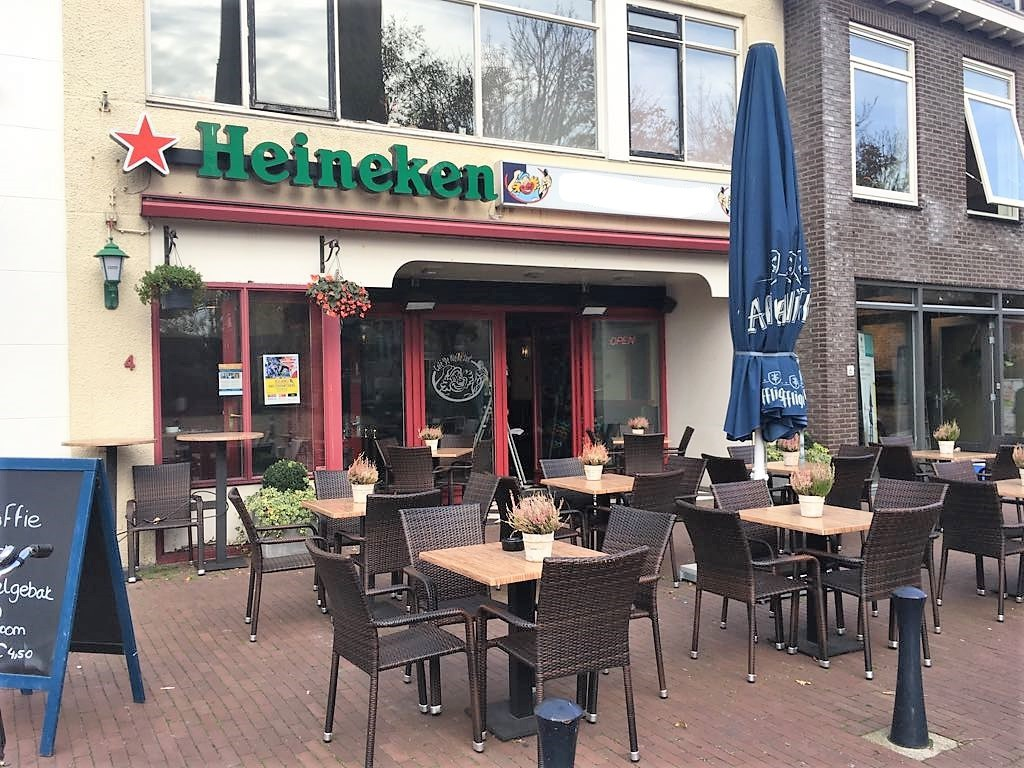 Horecalocatie aan Kerkplein in Monster