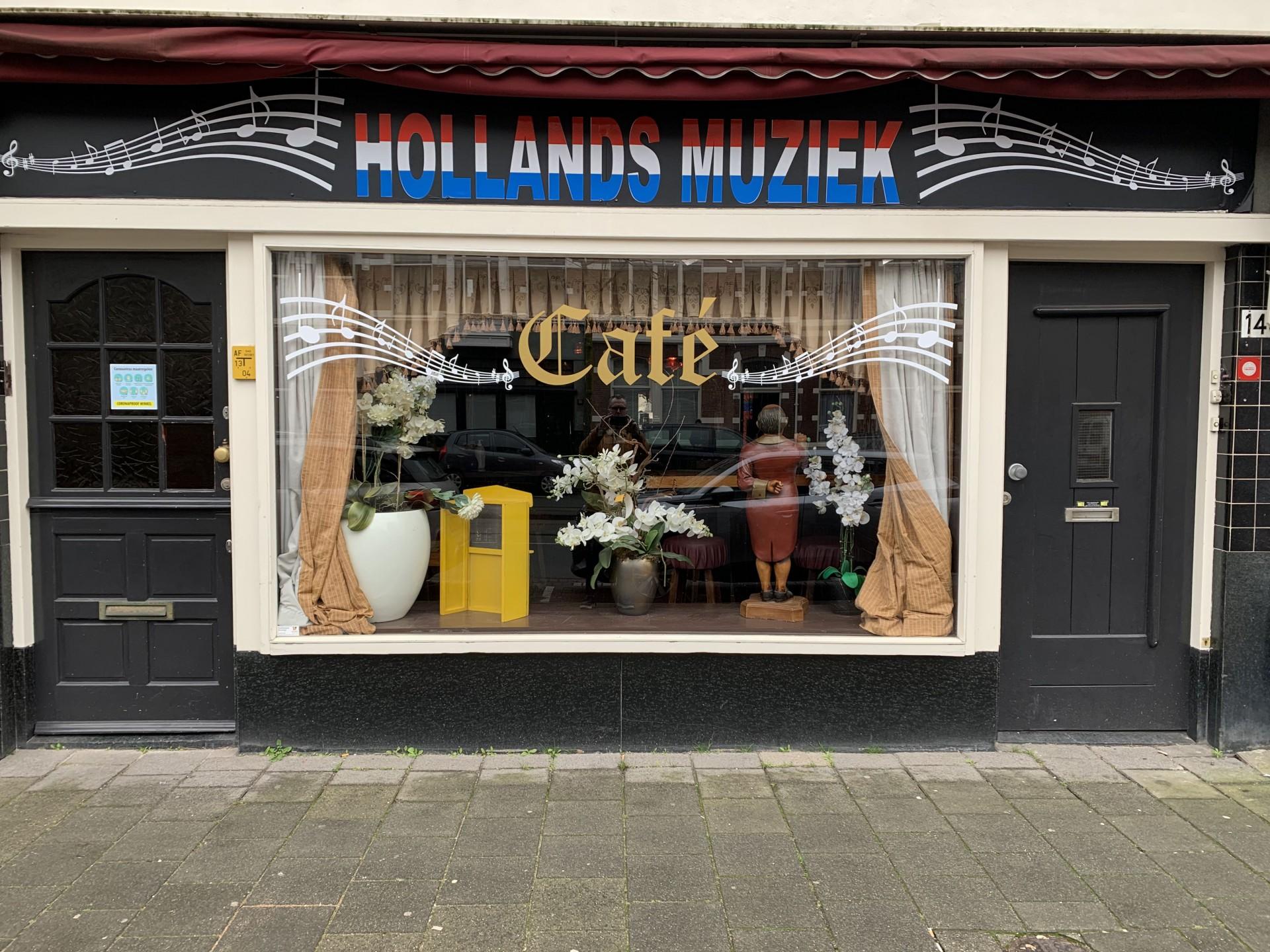 Gezellig Café Aan de Langste Laan van Den Haag