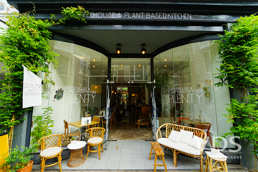 Lunchroom gelegen aan de Piet Heinstraat